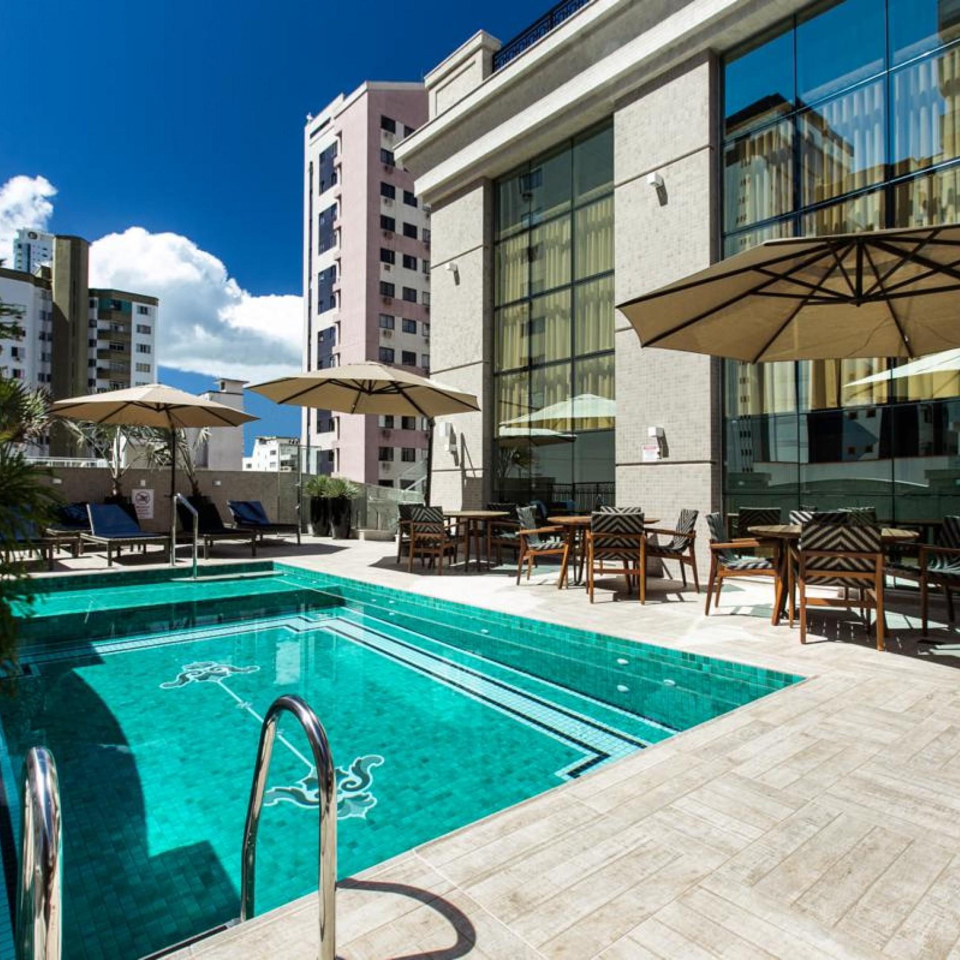 parigi-residenza-lazer-piscina.jpg